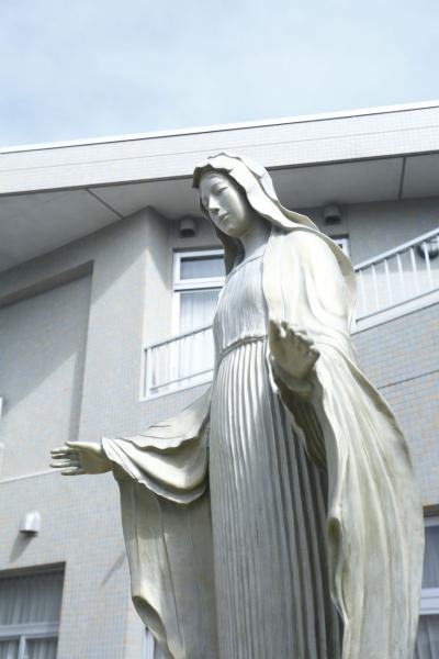 maria_statue